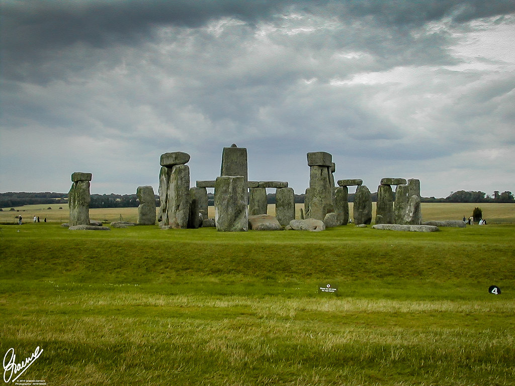 essays on stonehenge Stonehenge essaysstonehenge is a megalithic monument, situated on salisbury plain, mid-wiltshire, england the stones we see today represent stonehenge in ruin.
